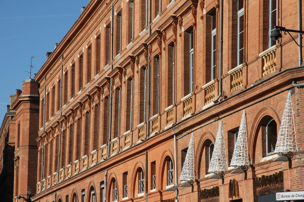 Random pics of toulouse the french pink city page