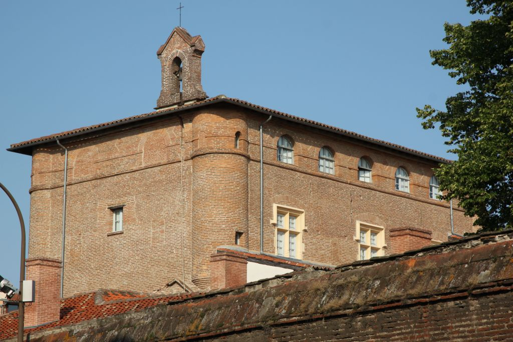 http://www.toulouse-brique.com/photos/colleges/foix.jpg