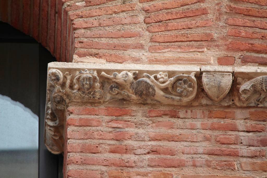 http://www.toulouse-brique.com/photos/facades/baragnon_detail%20(1).JPG