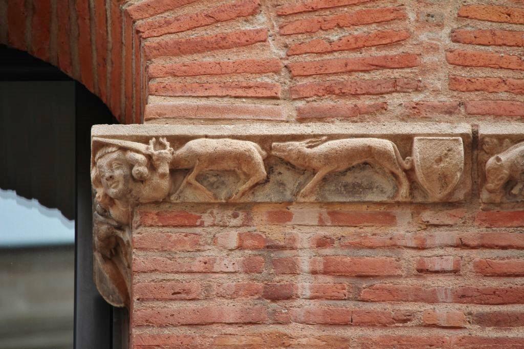 http://www.toulouse-brique.com/photos/facades/baragnon_detail%20(2).JPG