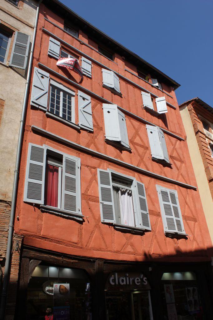http://www.toulouse-brique.com/photos/facades/st_rome%20(6).JPG