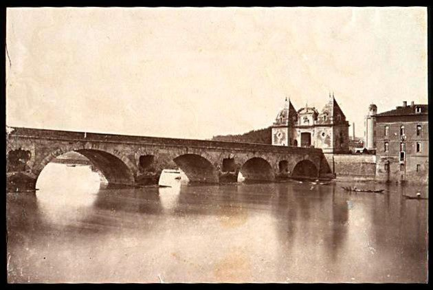 http://www.toulouse-brique.com/photos/garonne/arc.jpg