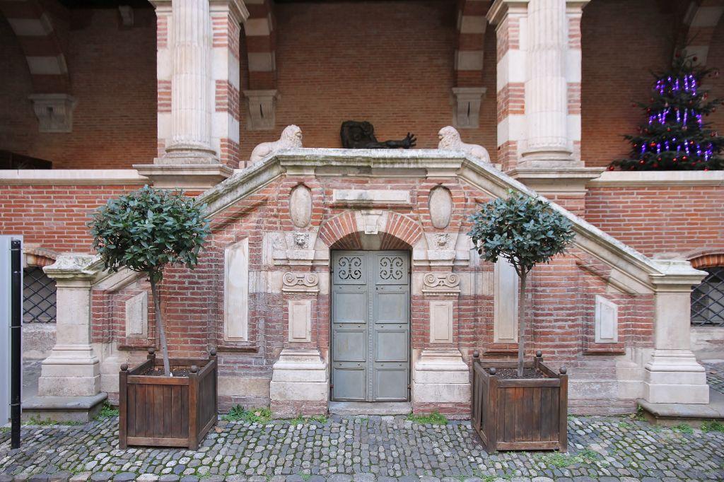 http://www.toulouse-brique.com/photos/hotels/assezat/assezat%20(2).JPG