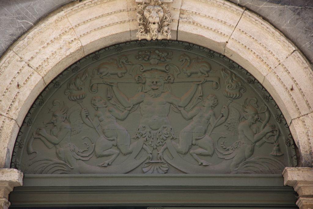 http://www.toulouse-brique.com/photos/hotels/hotels-16-parlement/felzins-14.jpg
