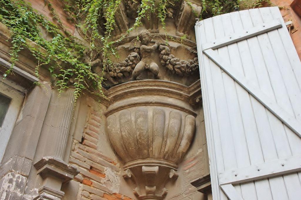 http://www.toulouse-brique.com/photos/hotels/hotels-16-parlement/felzins-7.jpg