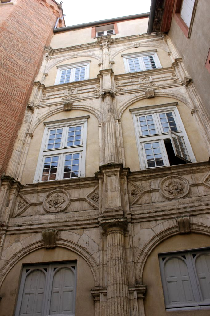 http://www.toulouse-brique.com/photos/hotels/hotels-16-parlement/lamamye-1.jpg