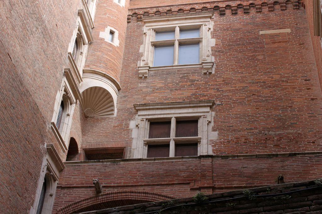 http://www.toulouse-brique.com/photos/hotels/hotels-16-parlement/mansencal-3.jpg