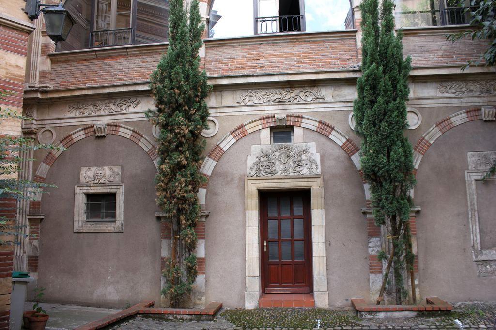 http://www.toulouse-brique.com/photos/hotels/hotels-16-parlement/potier-1.jpg