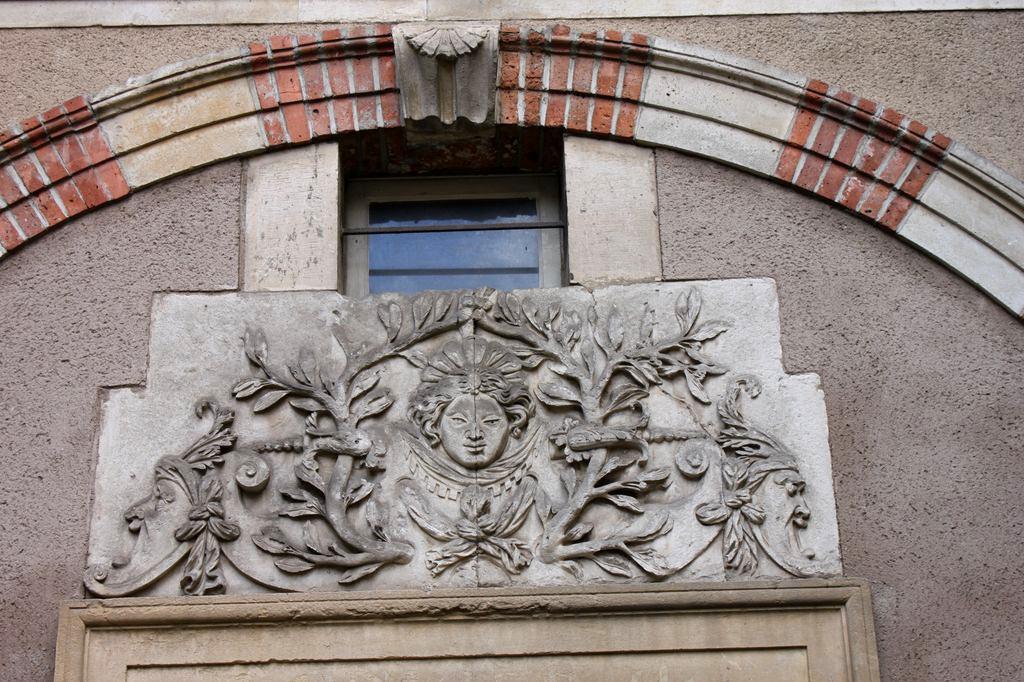 http://www.toulouse-brique.com/photos/hotels/hotels-16-parlement/potier-2.jpg