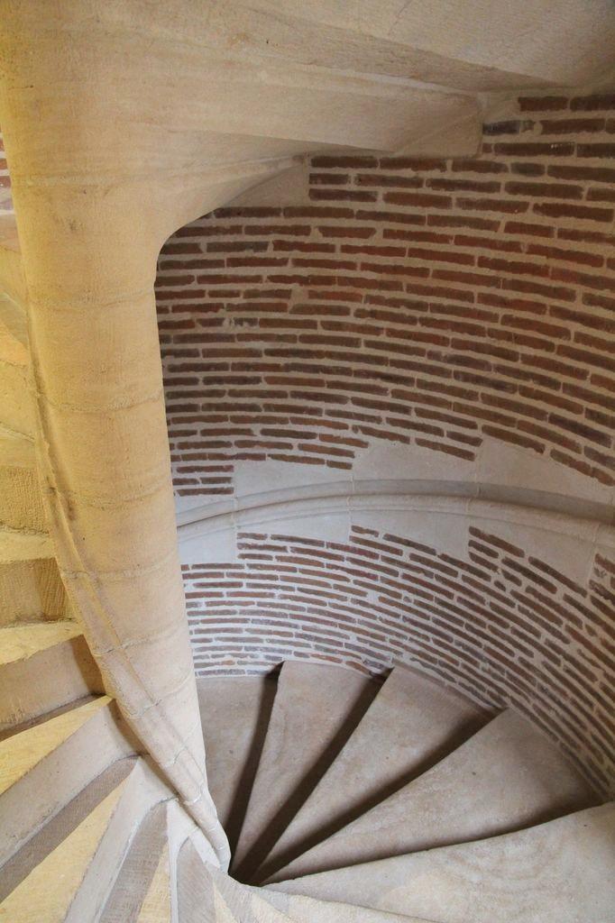 http://www.toulouse-brique.com/photos/hotels/hotels-16-pastel/bruni-%20(2).JPG