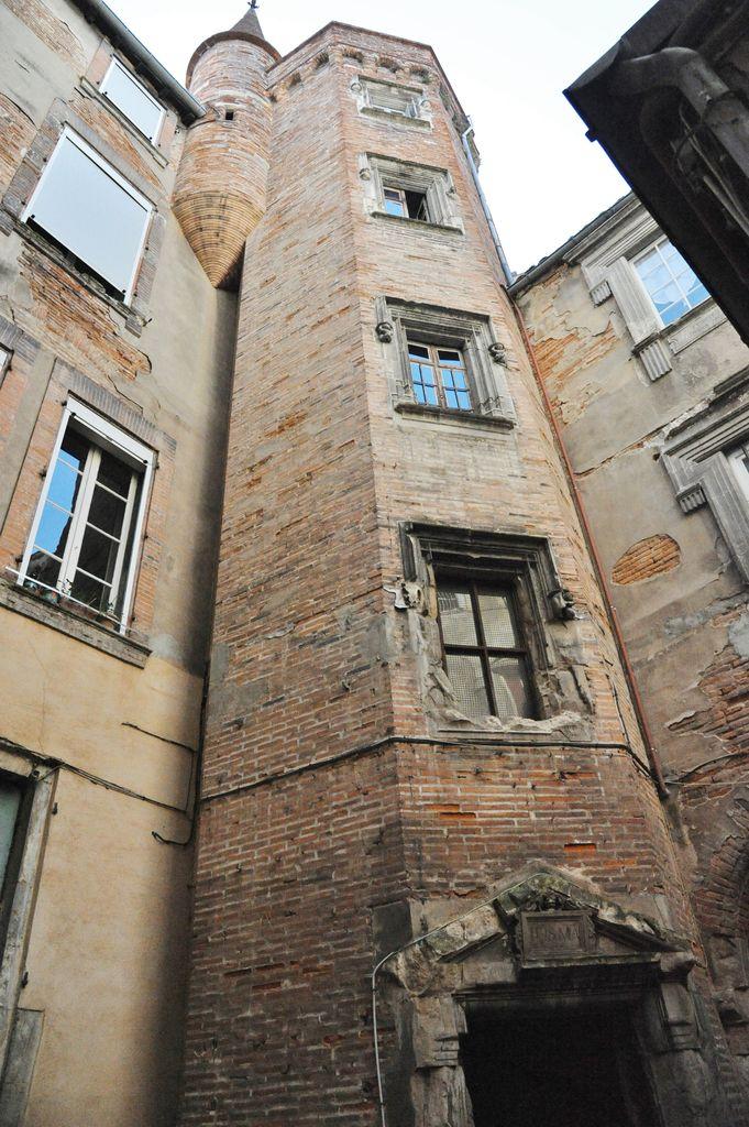 http://www.toulouse-brique.com/photos/hotels/hotels-16-pastel/delpech%20%288%29.JPG