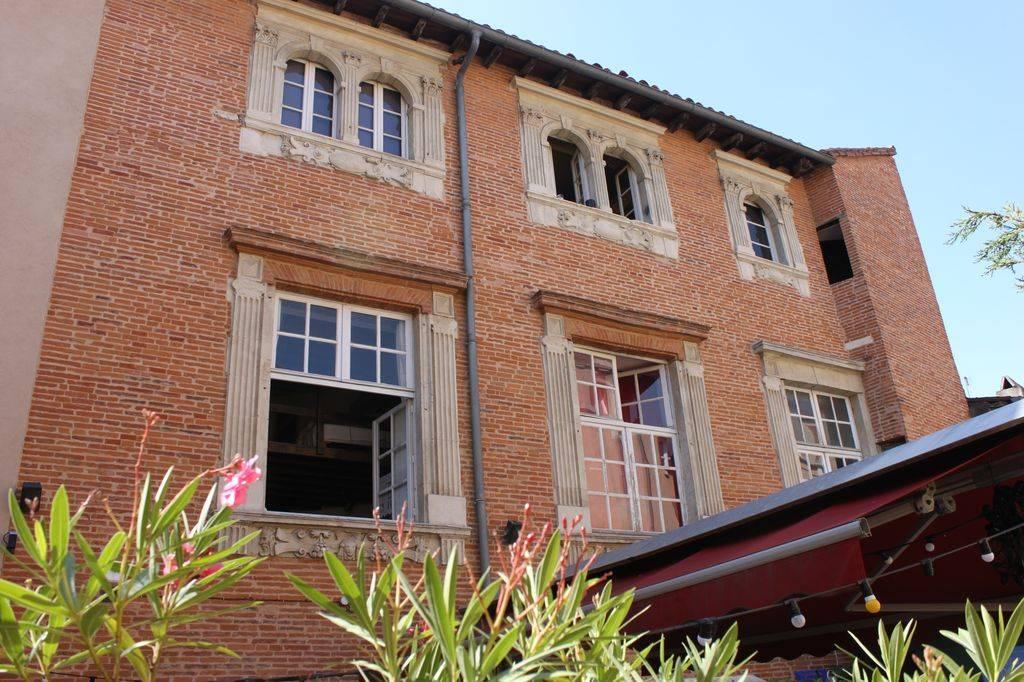 http://www.toulouse-brique.com/photos/hotels/hotels-16-pastel/medicis-1.jpg
