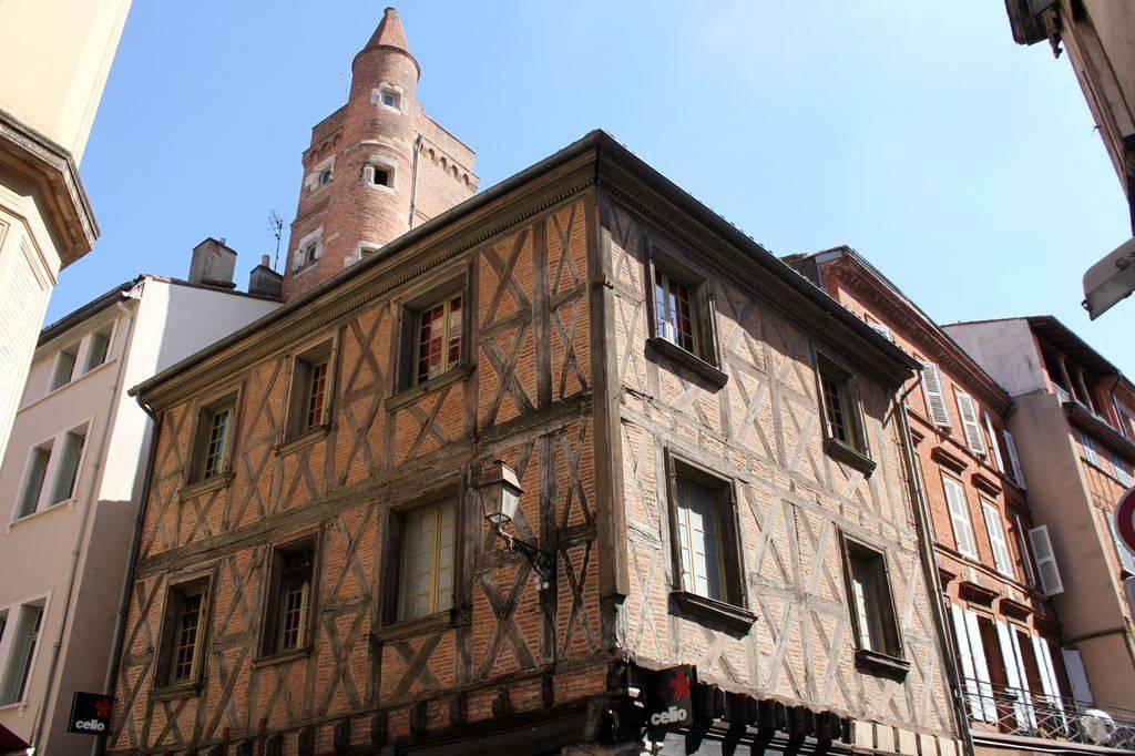 http://www.toulouse-brique.com/photos/hotels/hotels-16-pastel/serta-1.jpg