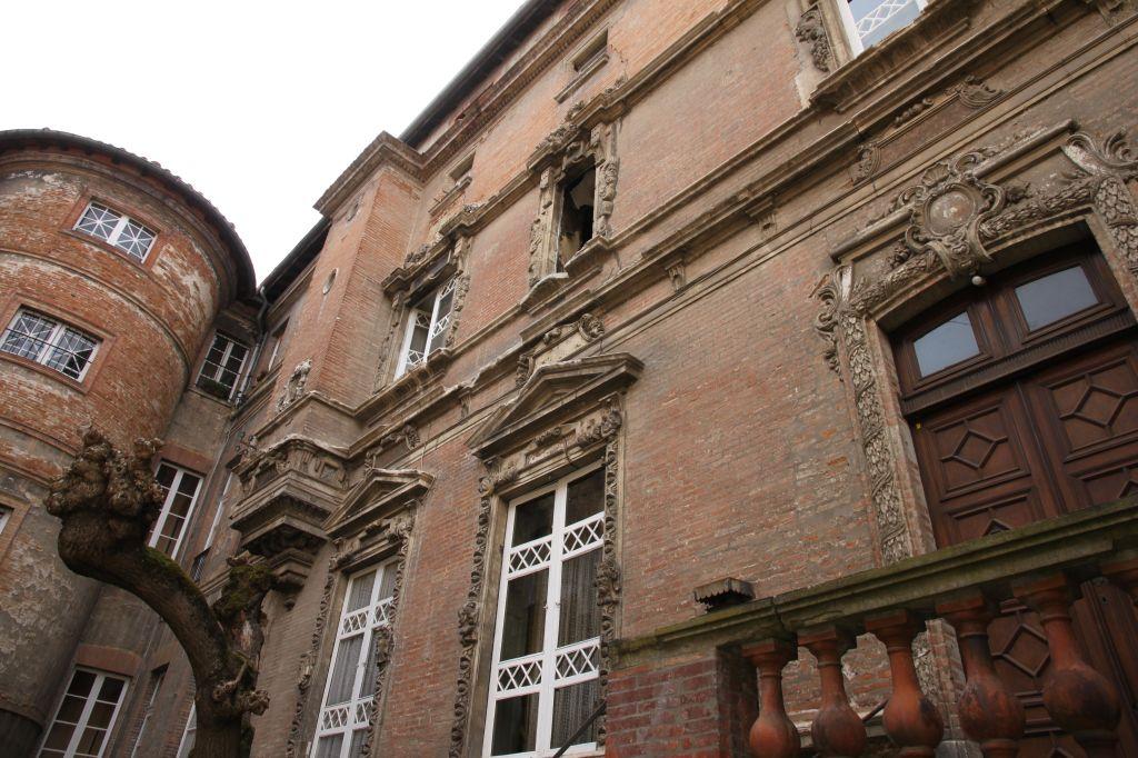http://www.toulouse-brique.com/photos/hotels/hotels-autres-2/sevin-mansencal%20(14).JPG