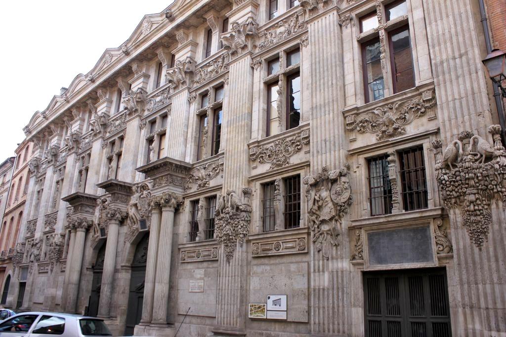 http://www.toulouse-brique.com/photos/hotels/hotels-autres-3/pierre-01.jpg
