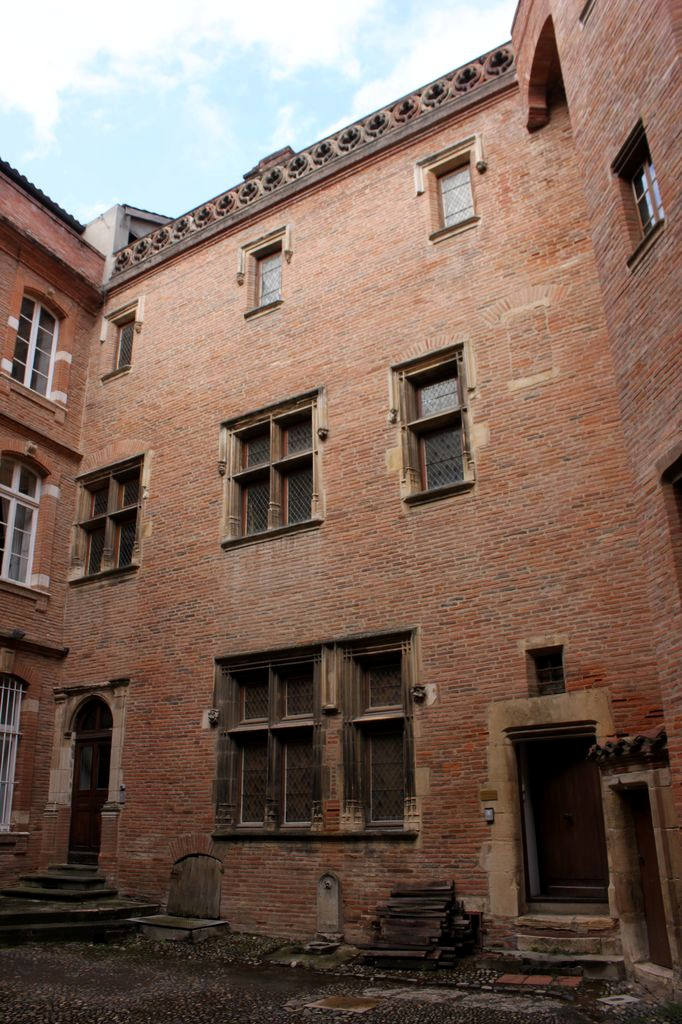 http://www.toulouse-brique.com/photos/hotels/hotels-autres/catel-3.jpg