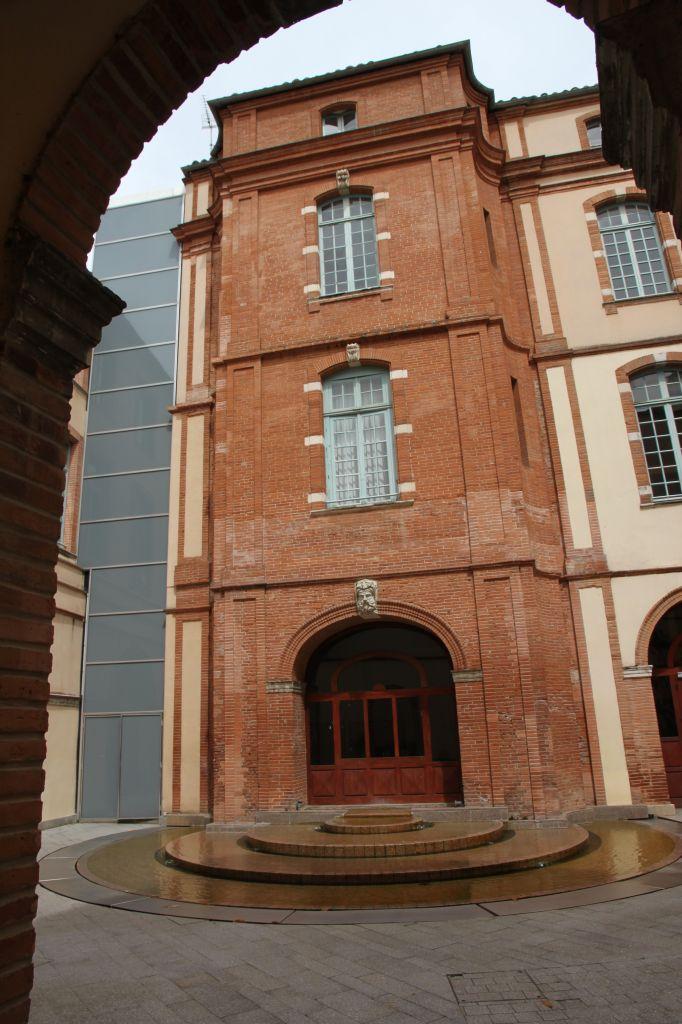 http://www.toulouse-brique.com/photos/hotels/hotels-autres/froidour%20(3).JPG