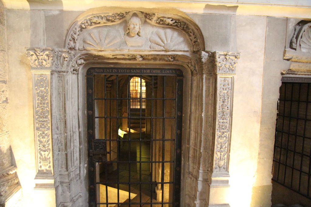 http://www.toulouse-brique.com/photos/st-sernin/porte-crypte-renaissance%20(1).JPG