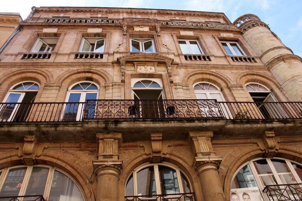 http://www.toulouse-brique.com/photos/virebent/5-rue-baronie.jpg