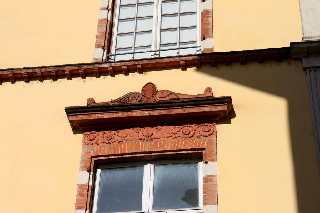 http://www.toulouse-brique.com/photos/virebent/img1242zy.jpg