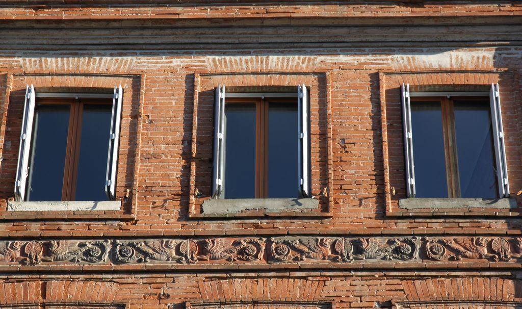 http://www.toulouse-brique.com/photos/virebent/kRw6CG.jpg