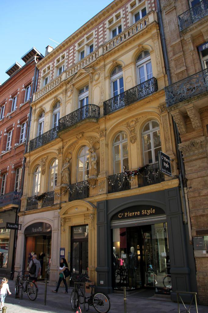 http://www.toulouse-brique.com/photos/virebent/rue-lafayette.jpg